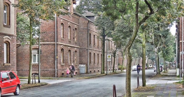Schillerstraße im Dichterviertel in Duisburg Marxloh