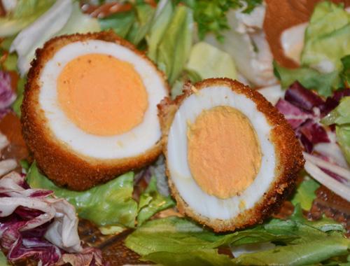 Frittierte Eier mit Panierung