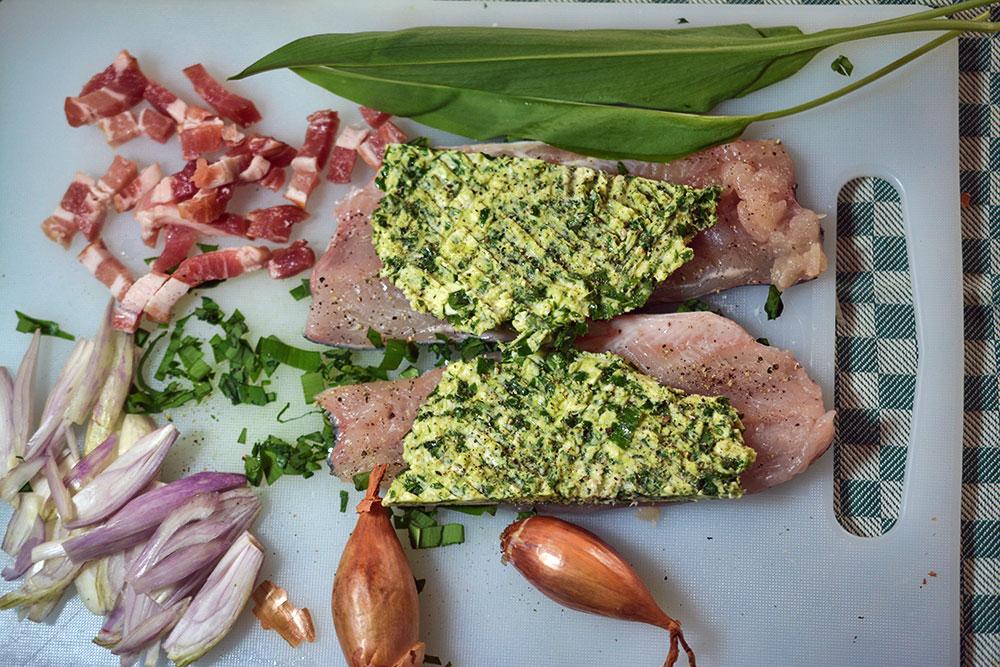 forellenflilets-mit-baerlauch-meerrettcih-kruste-1