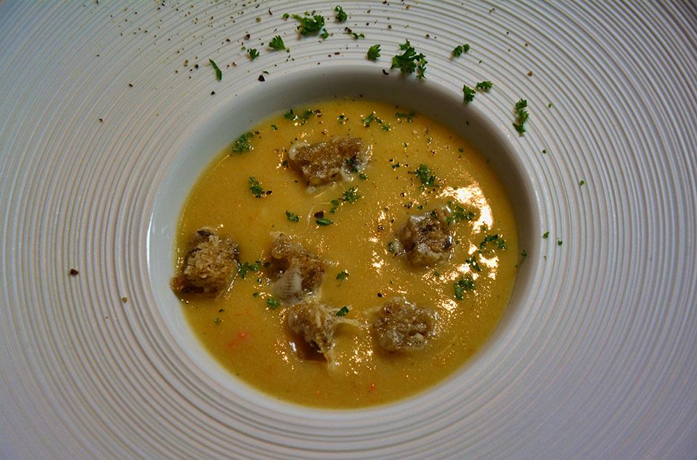 blumenkohlsuppe-mit-kaesecroutons-2